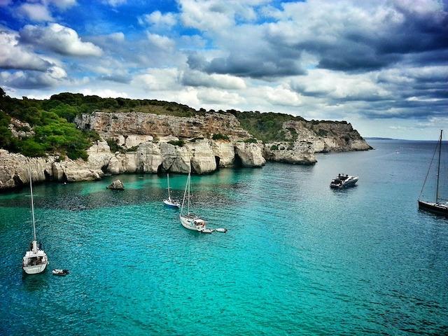 Přímé lety na Menorku z Brna a Ostravy
